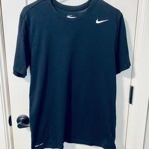 💙Men's Nike Dri-fit Tee💙